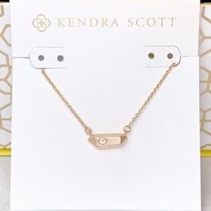 BNWT kendra Scott necklace